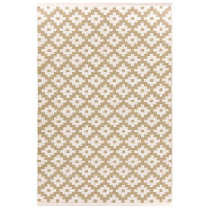 Indoor/Outdoor washable rug from the Kellogg Collection | @Kelloggfurn