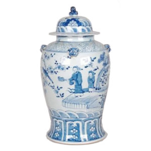 Blue and white vase from the Kellogg Collection | @kelloggfurn