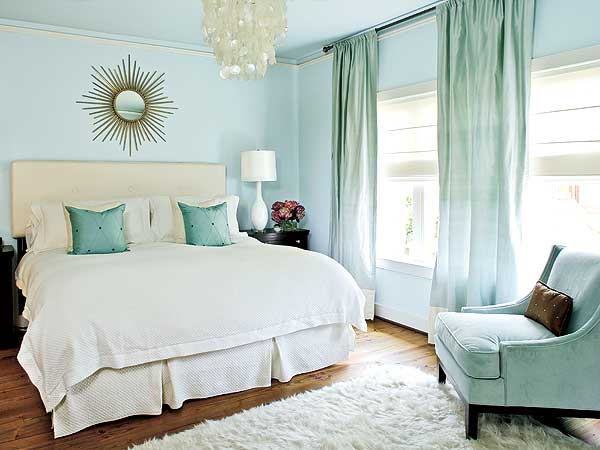 sarah-blog-blue-bedroom-resized-600